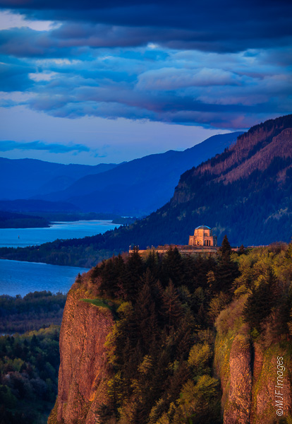 A view up the Columbia River Gorge in the Pacific Northwest, with Crown Point and Vista House overlooking it all.