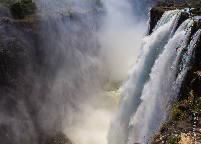 Victoria Falls, which sits on the Zambia-Zimbabwe border, is one of the world's great cascades.