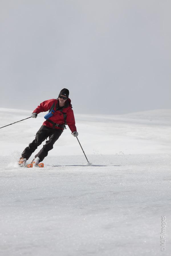 Skiing Mount St. Helens.