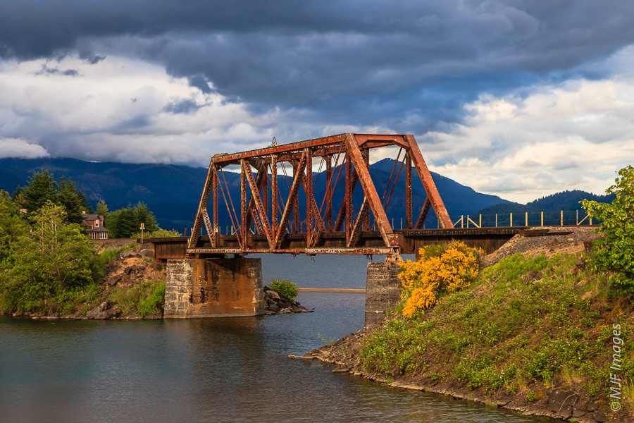 A rusting railway bridge along the Columbia River just outside Stevenson, Washington.