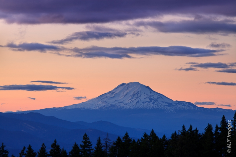 The big snow-capped peaks of the Cascades are classic strato-volcanoes.