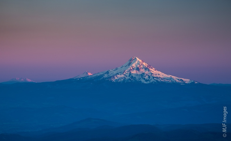 Looking down the spine of the Cascade Range from high up on Mount Adams in Washington.