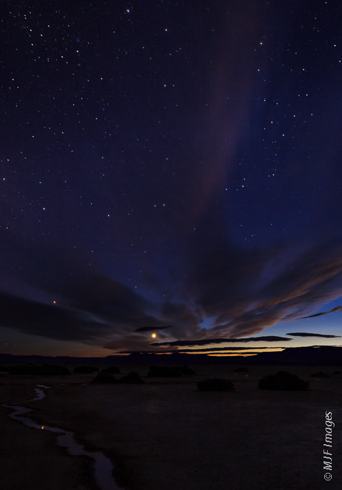 Venus sets & the stars come out as night comes to the Alvord Desert in SE Oregon.