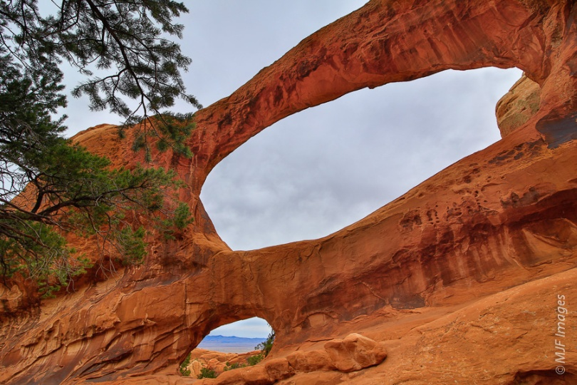 Double O arch, while on a popular hiking trail, is often empty because it is at the far end of the trail.