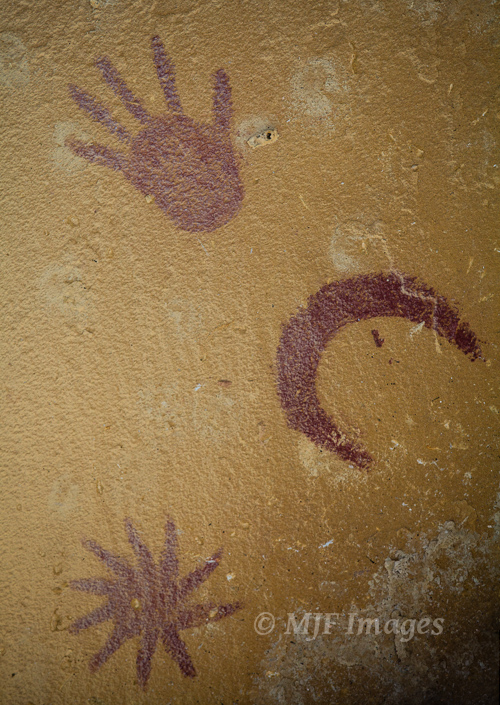 Since I can't find any very good images of Oregon rock art, here is a pictograph from Chaco Canyon in New Mexico.