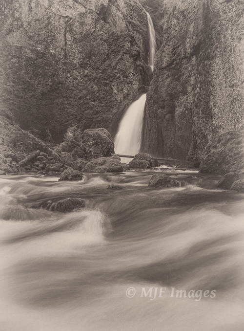 Wahclella Falls, Columbia Gorge, Oregon.  This is a very low-contrast image requiring virtually no dynamic range.