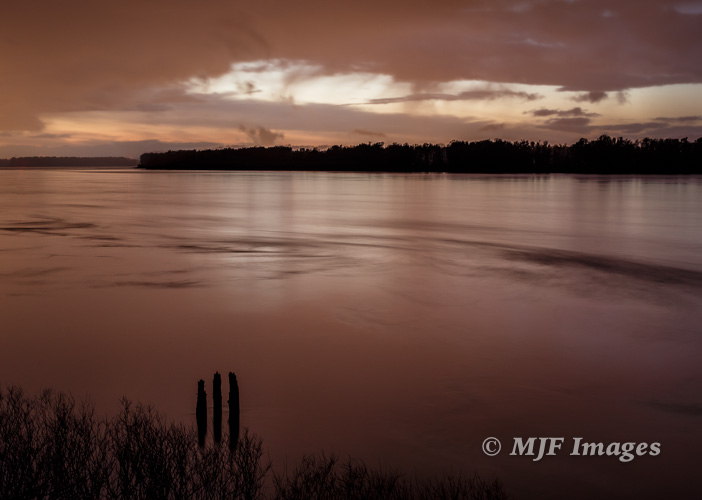 Dusk falls on the Columbia River.