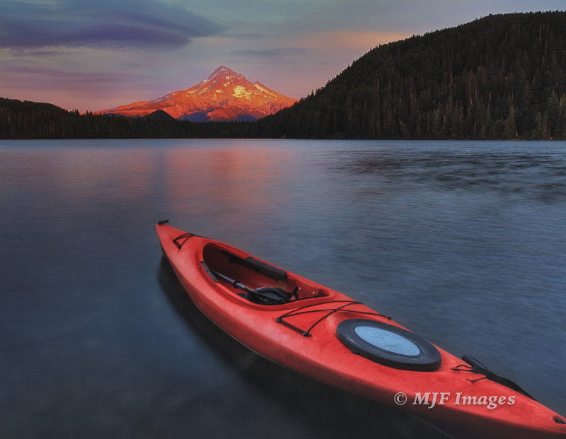 A paddle then a sunset at Lost Lake, Oregon.  21 mm., 5 sec. @ f/11, ISO 50, tripod.