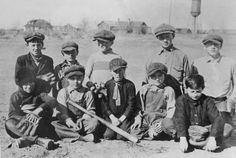 The White Bluffs baseball team before the Federal Government came to town.