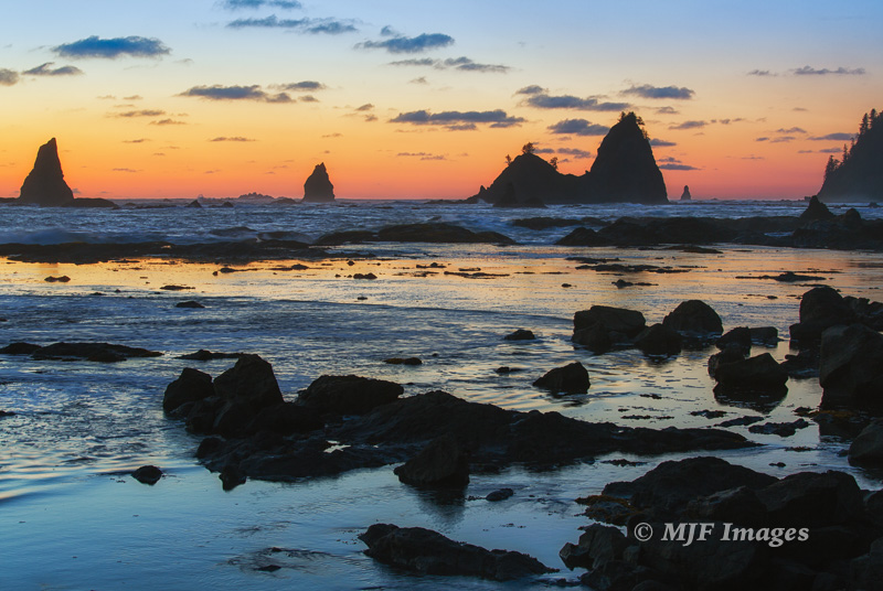 This was actually shot a few days later when I returned to get further north, where many pointed sea stacks lie offshore. 70 mm., 1/4 sec. @ f/14, ISO 100; tripod.