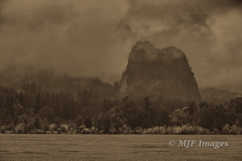 Beacon Rock on the Columbia River, a landmark that Lewis & Clark mentioned in their journals in 1803.  106 mm., 1/200 sec. @ f/10, ISO 200; hand-held; processed in Nik Color Effex then given antique sepia tone in Lightroom.